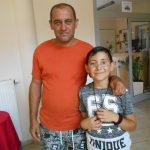 Apa és fia a miskolci házban